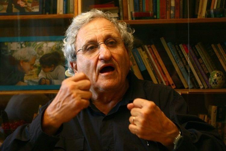 A. B. Yehoshua Israeli author AB Yehoshua wins prestigious French