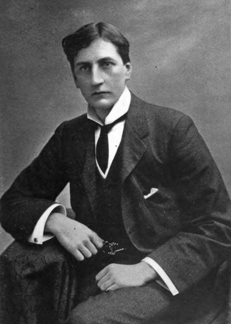 A. E. W. Mason httpsuploadwikimediaorgwikipediacommons22