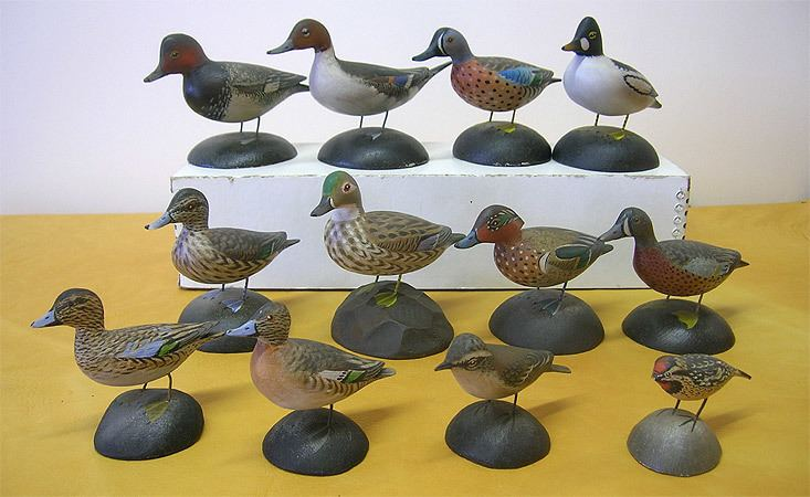 A. Elmer Crowell DECOYS AND WILDLIFE GALLERY Classic Carvings by Elmer Crowell