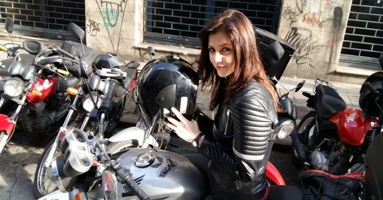 A Garota da Moto Resumo de quotA Garota da Motoquot de 10082016 a 12082016 N10