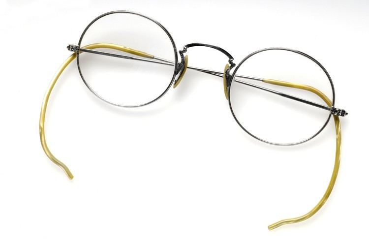 A Pair of Spectacles FileA pair of Spectacles Wellcome L0044000jpg Wikimedia Commons