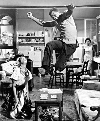 A Raisin in the Sun (1961 film) Sidney Poitier in A Raisin In The Sun 1961 citizens Pinterest