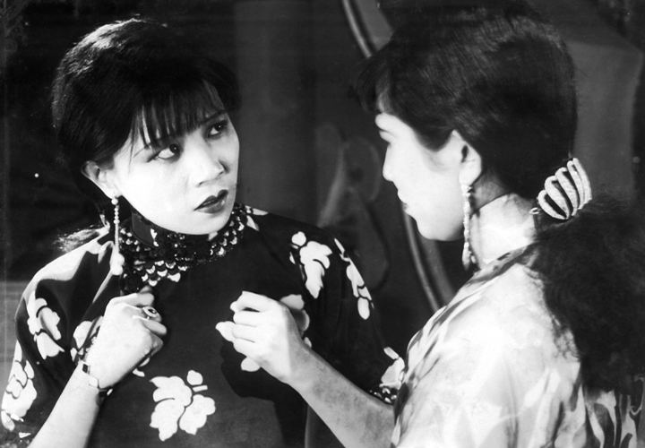 A Spray of Plum Blossoms movie scenes China 1931 Directed by Bu Wancang Cast Ruan Lingyu as Lily Yuen Hu Zhuli Julia Lin Chuchu Shi Luohua Silvia Wang Cilong Bai Lede Proteus