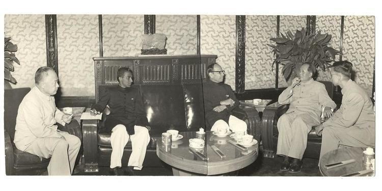 A. T. Moorthy FileA T Moorthy with Chairman Mao Tse Tung Peking July 1958jpg