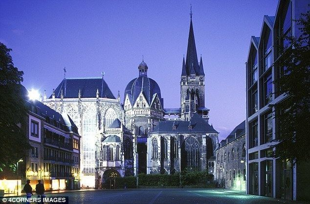 Aachen idailymailcoukipix20120804article0128CF