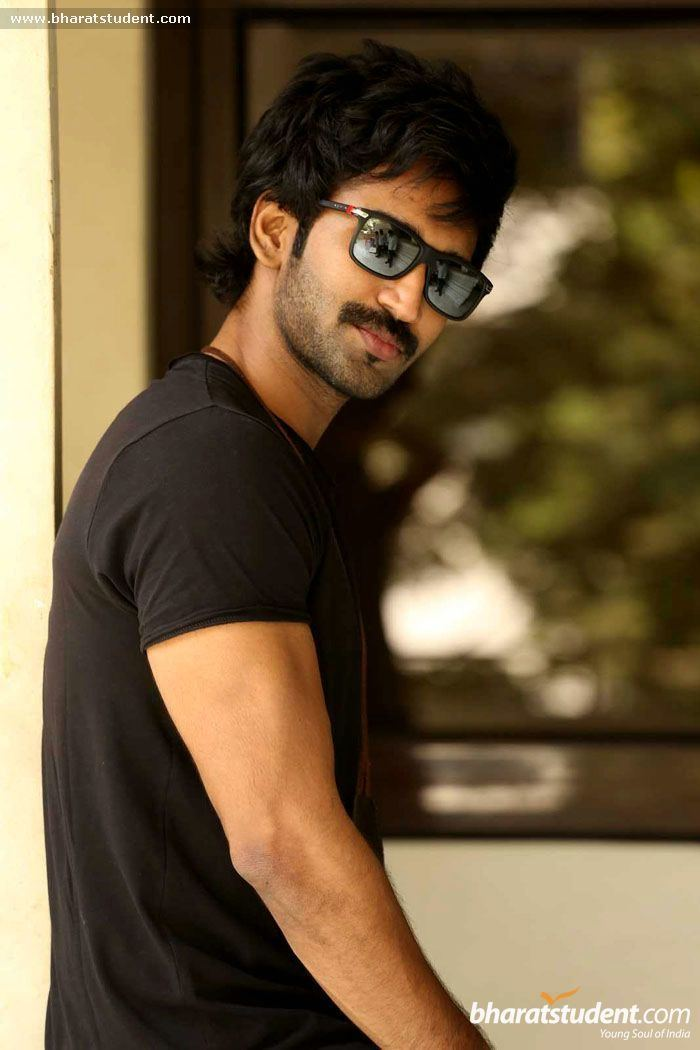 Aadhi Pinisetty Aadhi Pinisetty Photo Gallery Aadhi Pinisetty Stills Aadhi