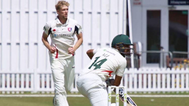 Aadil Ali Aadil Alis best gives Foxes altitude sickness Cricket ESPN Cricinfo