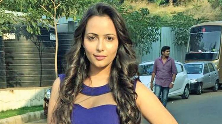 Aanchal Munjal Btown actress Aanchal Munjal debuts in Tamil