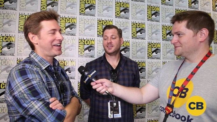Aaron and Todd Helbing Todd and Aaron Helbing Talk Upcoming Season of The Flash at SDCC