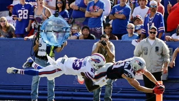 Aaron Williams (American football) Aaron Williams Bills39 safety suffers neck injury CBC