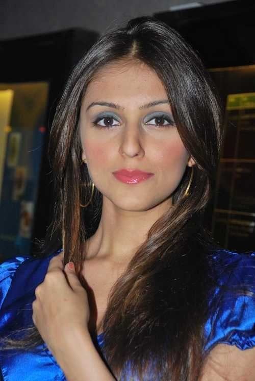 Aarti Chhabria Aarti Chhabria at The Comedy Store Tour