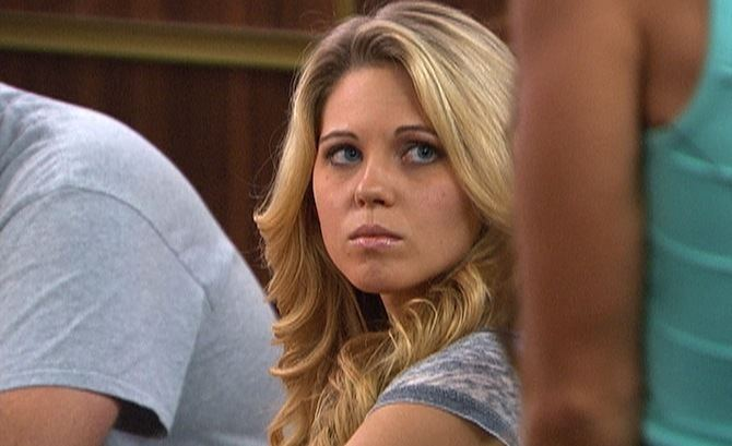 Aaryn Gries Aaryn Gries Racist Comments Defended By Her Mother