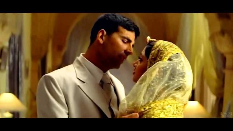Mujhe Pyar Do HD 720p Ab Tumhare Hawale Watan Sathiyo Song YouTube
