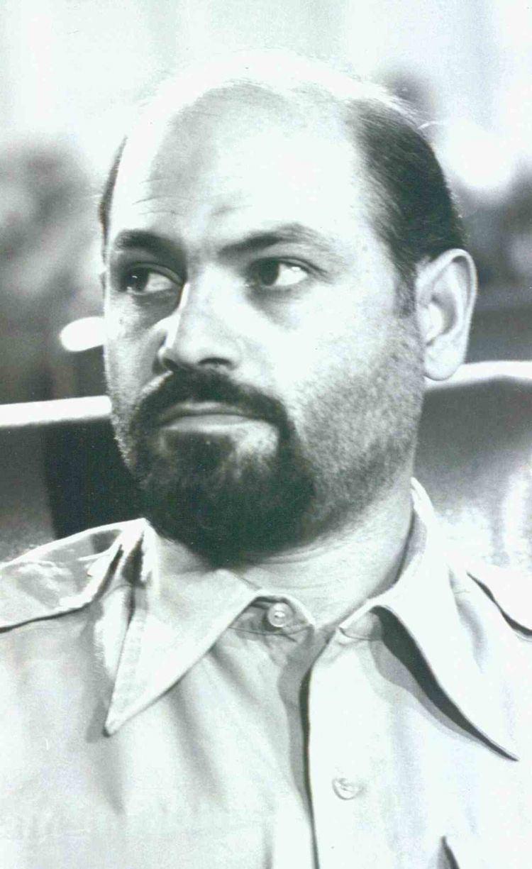 Abbas Duzduzani httpsuploadwikimediaorgwikipediacommonsthu