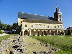 Abbaye Saint-Pierre d'Hautvillers httpsuploadwikimediaorgwikipediacommonsthu