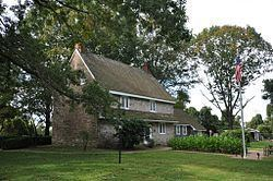 Abbott Farm Historic District httpsuploadwikimediaorgwikipediacommonsthu