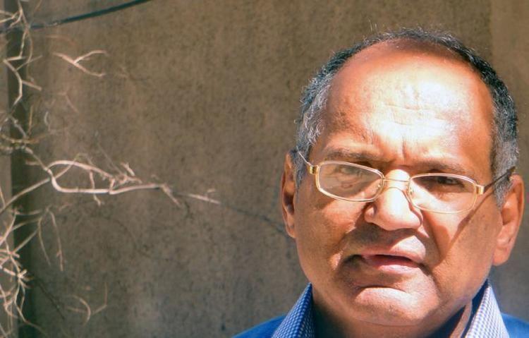 Abd al-Karim al-Razihi Abd alKarim alRazihi Wounds of a Child Poet Al Akhbar English