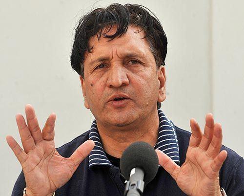 Abdul Qadir (cricketer) topnewsinsportsfilesAbdulQadir4jpg