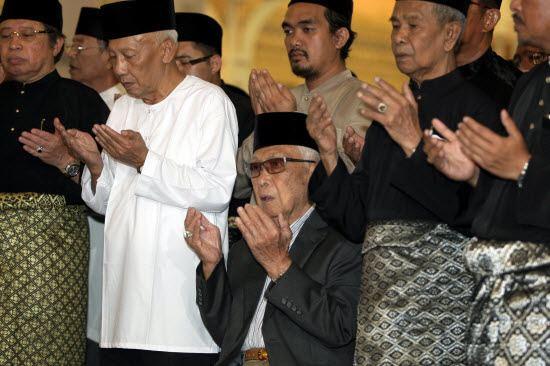 Abdul Rahman Ya'kub Sarawak39s Tun Abdul Rahman Ya39kub dies at 87