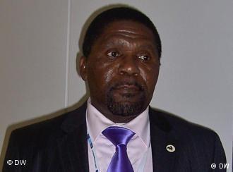 Abel Chivukuvuku Abel Chivukuvuku cria CASA e ambiciona presidncia