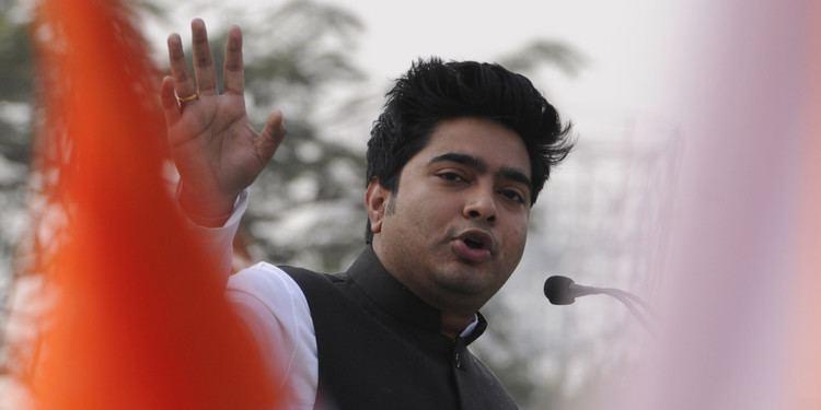 Abhishek Banerjee Man Slaps Mamata Banerjee39s Nephew Abhishek At Public