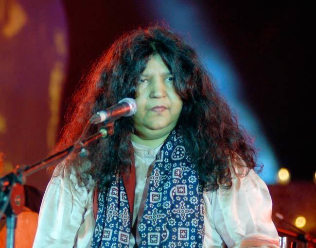 Abida Parveen In pics Sufi legend Abida Parveen performs at music