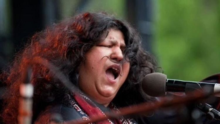 Abida Parveen Abida Parveen Very Sad Urdu Ghazal Video Dailymotion
