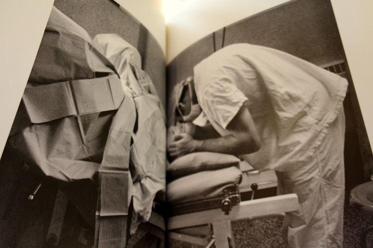 Abigail Heyman Bint photoBooks on INTernet Views Reviews Growing Up Female a