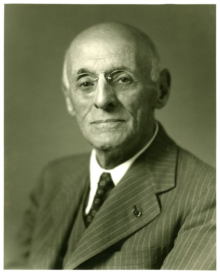 Abraham Flexner Abraham Flexner Is social work a profession in the