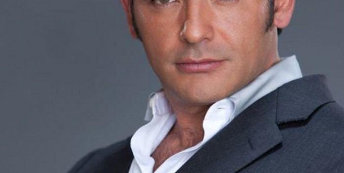 Abraham Ramos Leer el actor Abraham Ramos para los lerdenses