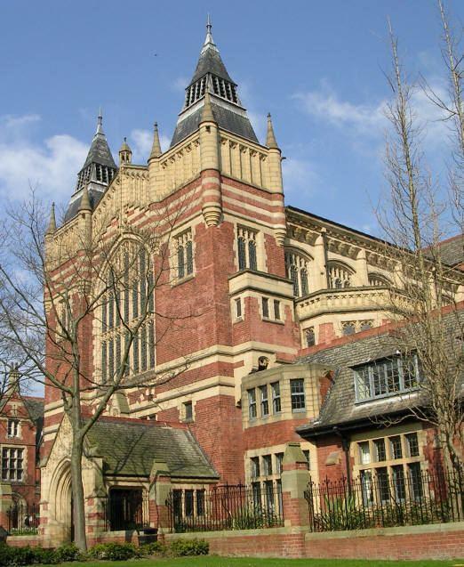 Academic dress of the University of Leeds