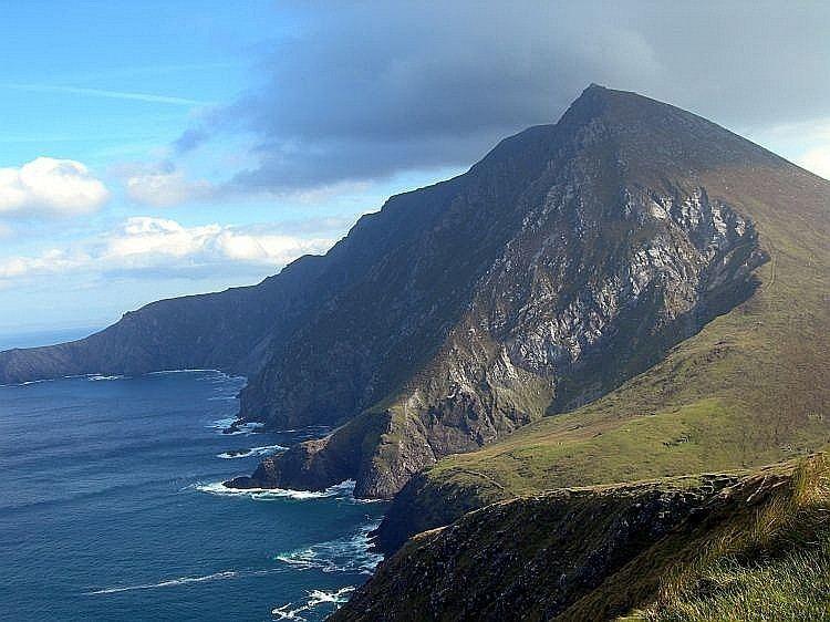 Achill Island httpsuploadwikimediaorgwikipediaen66bCro