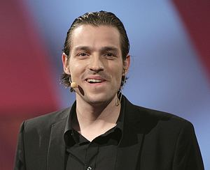 Adam Duvå Hall Adam Duv Hall fra DR til TV3