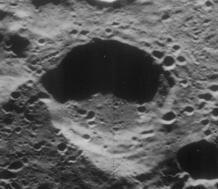 Adams (lunar crater)