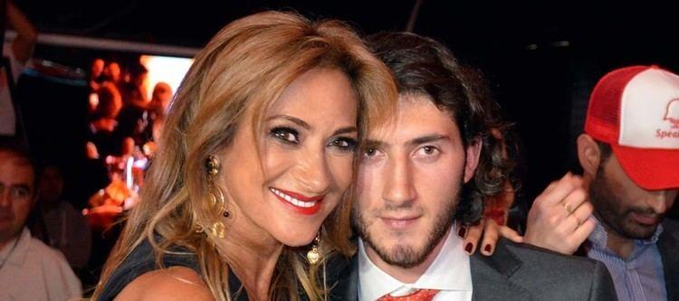 Adela Micha Carlos Gotlib hijo de la periodista AdelaMicha es aviador en la