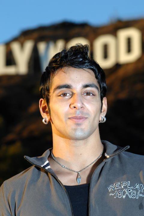 Adil Khan Norske Tord 10 sett 17 millioner ganger p YouTube