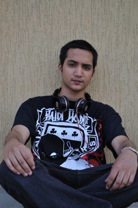 Adil Omar Adil Omar Nothing But Black Download Audio