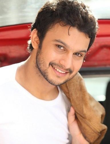Adinath Kothare Adinath Kothare Biography age height wife movies