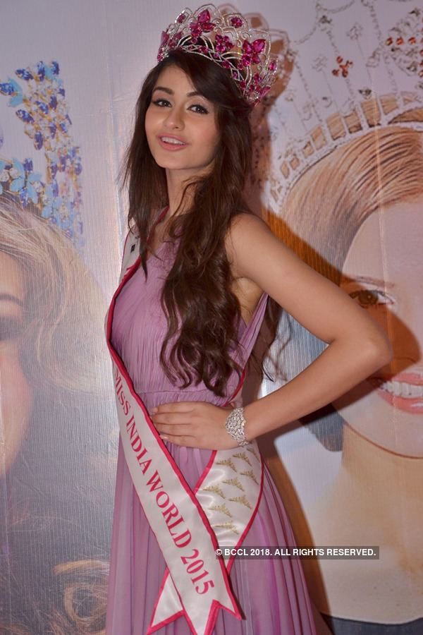 Aditi Arya Miss World Rolene Strauss meets Miss India World 2015