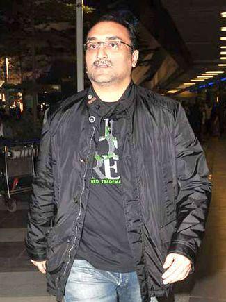Aditya Chopra httpsuploadwikimediaorgwikipediacommonsaa