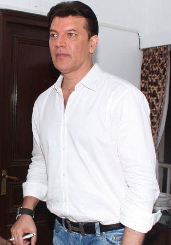 Aditya Pancholi Aditya Pancholi Wiki reveal Height Weight Age Family Info