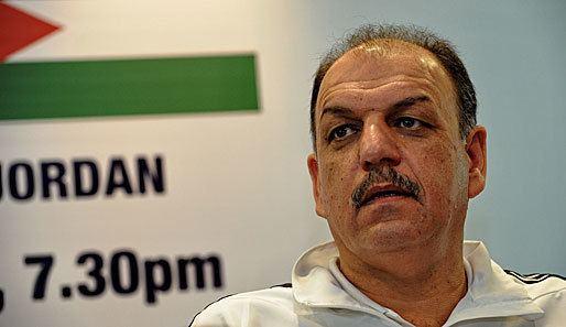 Adnan Hamad Nationaltrainer am Flughafen festgehalten Einreisepanne