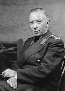 Adolf Heusinger httpsuploadwikimediaorgwikipediacommonsthu
