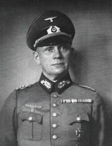 Adolf Heusinger General OfficersAdolf Strau