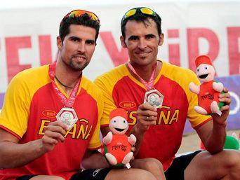 Adrian Gavira Felicitaciones municipales a Adrin Gavira y Pablo Herrera