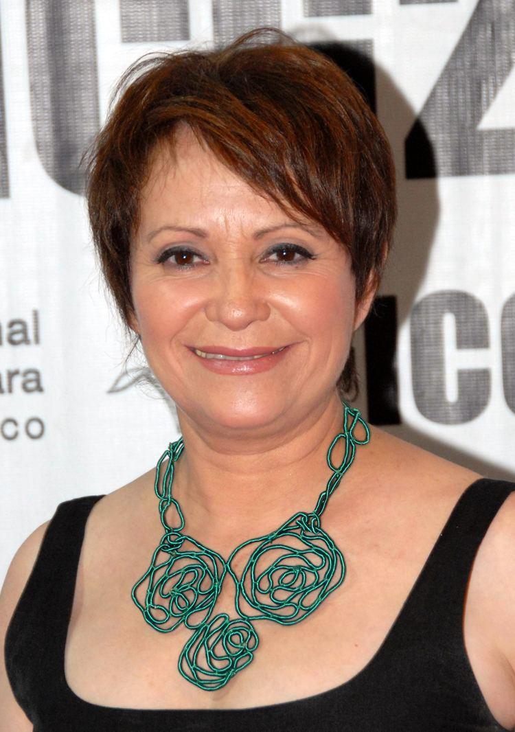 Adriana Barraza httpsuploadwikimediaorgwikipediacommons00