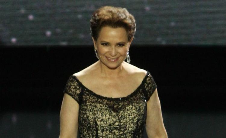 Adriana Barraza Adriana Barraza Breast Cancer Mexican Actress Undergoing Chemo