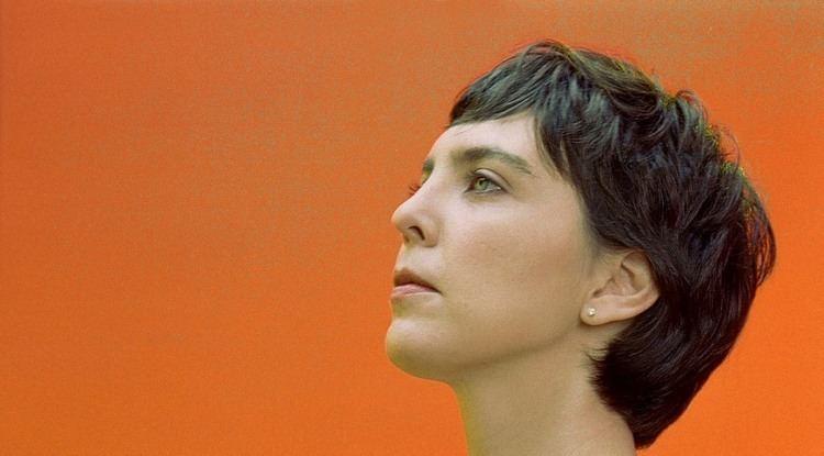 Adriana Calcanhotto Adriana Calcanhotto em Vambora Sobre poesia amores e