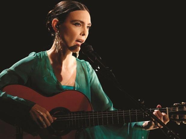 Adriana Calcanhotto G1 Adriana Calcanhotto far 5 shows em Portugal entre
