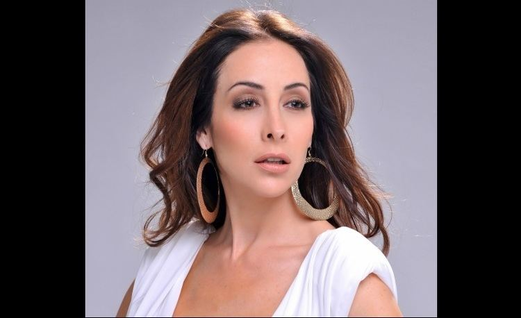 Adriana Lavat imageslatintimescomsiteslatintimescomfiles2